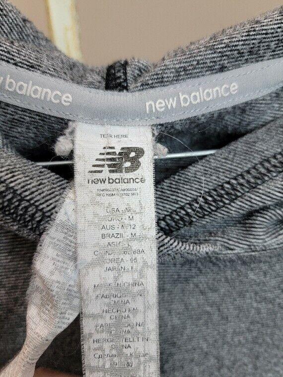New Balance Long sleeve Tshirt hoodie size M Black