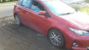 2014-Toyota-Auris-1-4-ICON-D-4D-5d-89-BHP-Hatchback-Diesel-Manual