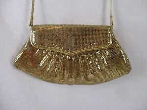 Whiting-and-Davis-Gold-Mesh-Handbag-Shoulder-Bag-Crossbody-Evening-Snap-Flap-BP6