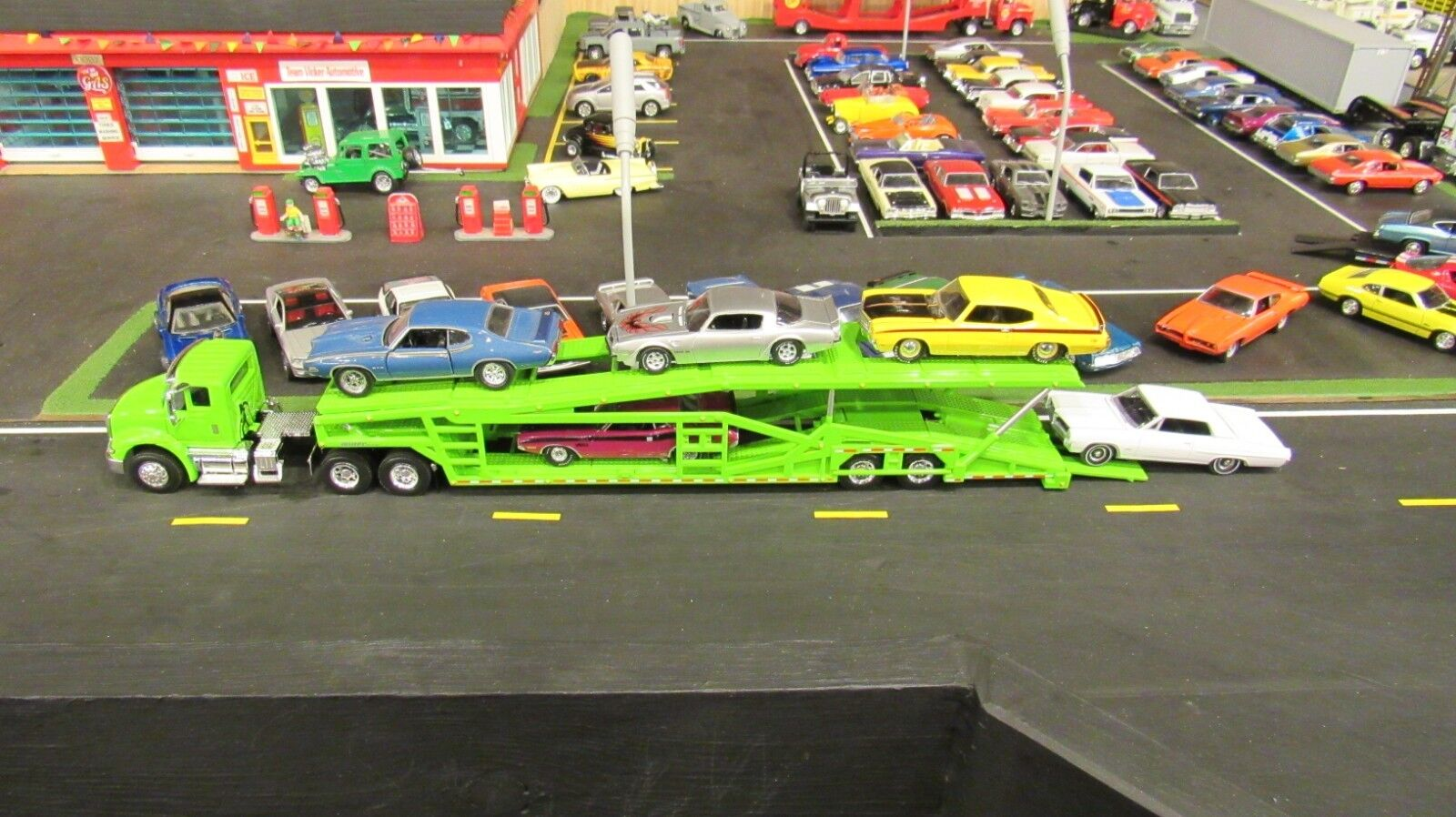 SPECCAST vert IH 8600 SEMI voiture TRANSPORT  TRANSPORTER voitureRIER TRAILER 1 64  MTB  approvisionnement direct des fabricants