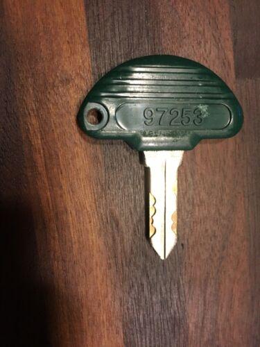 OEM PACHISLO SLOT MACHINE UNIVERSAL DOOR KEY # 97253