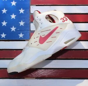 Nike-Dynamic-Flight-Scottie-Pippen-1992-PLAYER-EXCLUSIVE-Sample-PE-VTG-Original