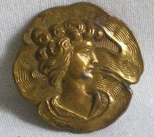 BEAU BOUTON ANCIEN ART NOUVEAU EN LAITON(1)