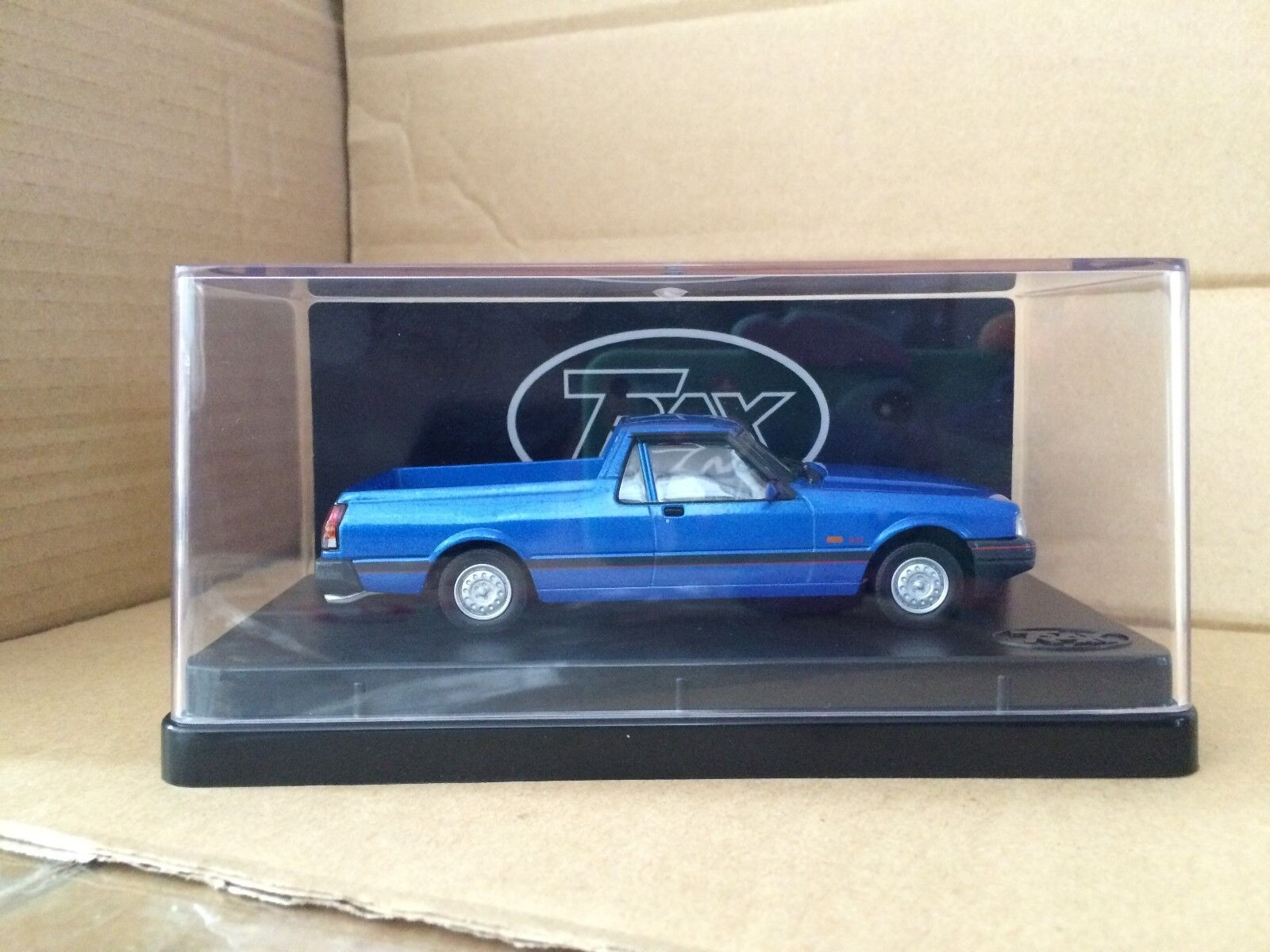 1 43  TRAX TR77 1993 Ford XG Falcon S Longreach Ute  bluee