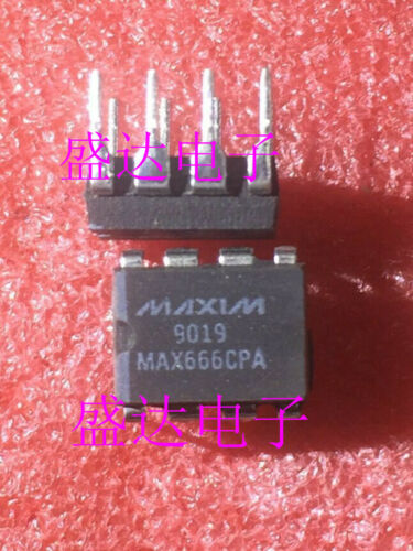 1 x MAX666CPA DIP-8 Programmable Vicropower Voltage Regulators