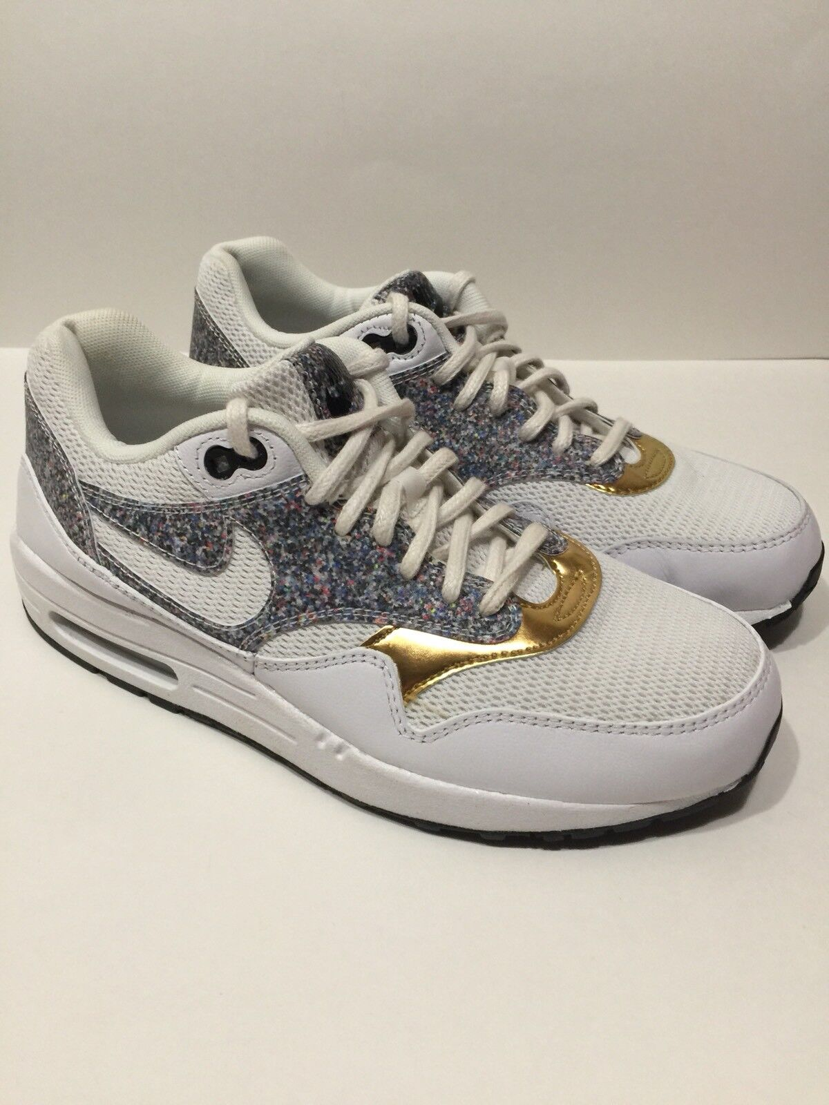 Women's Sz 7.5 Nike Air Max 1 SE White Black gold shoes Trainers 881101-100