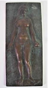 Bronze-Wandplatte-Akt-mit-Apfel-Signiert