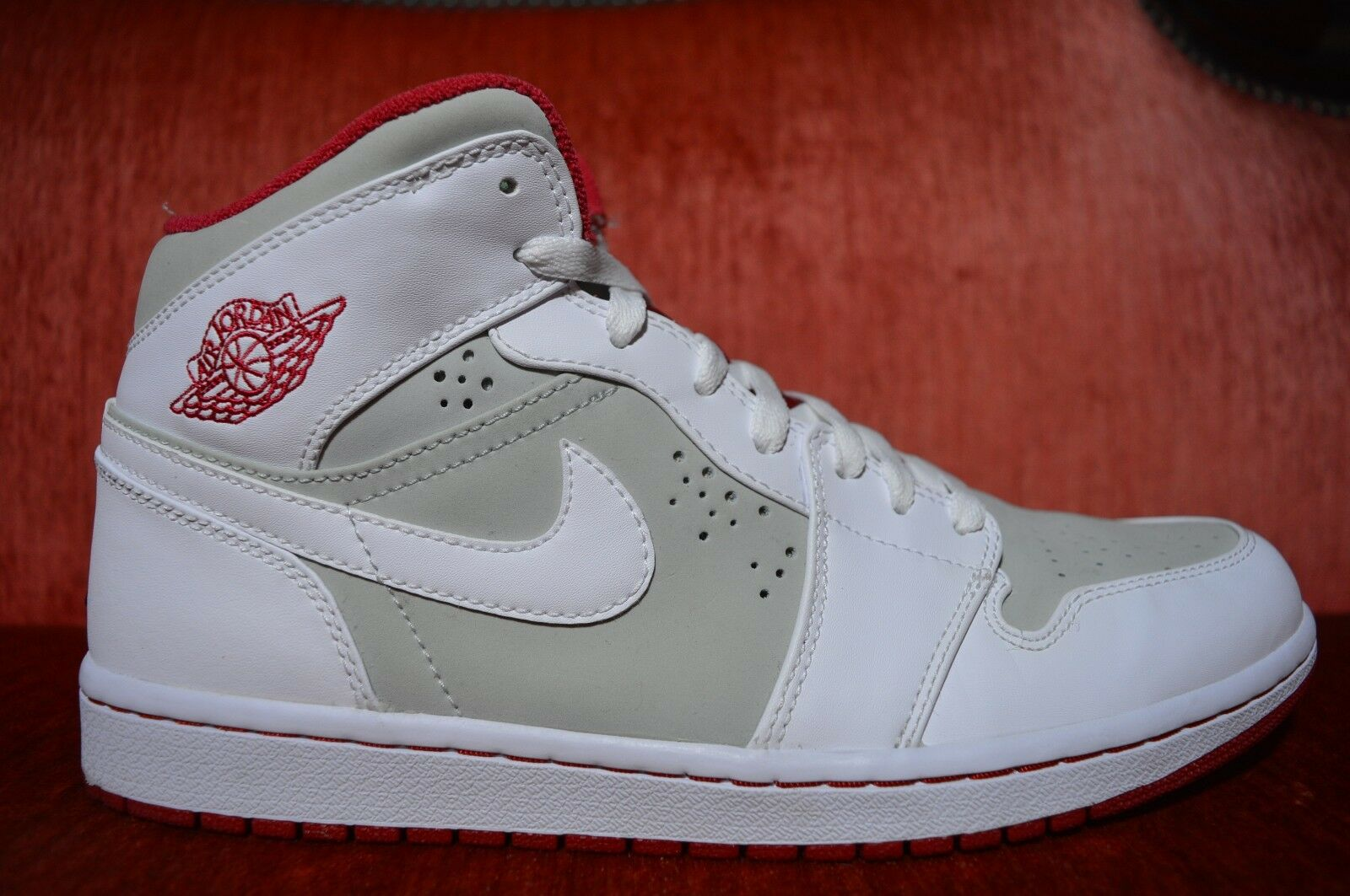 WORN ONCE Nike Air Jordan 1 Hare 2018 Bugs Bunny Comfortable The most popular shoes for men and women