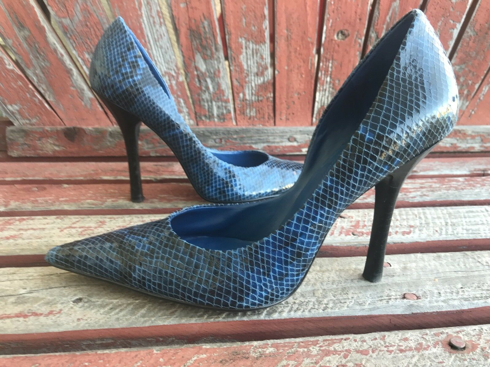 BLuE bLaCk SNaKeSKiN EUC Toe Sz 8 Pointy Toe EUC CARRIE Stiletto Heels PUMPS GuESS a46651