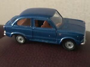 Vintage Mebetoys A-1 Azul Fiat 850 Hecha En Italia Escala 1/42 casi como nuevo