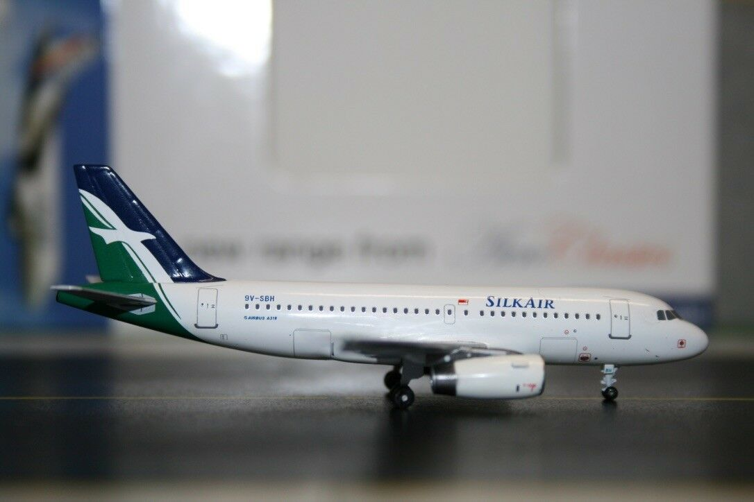 Aeroclassics 1 400 Silk Air Airbus A319-100 9V-SBH AC9VSBH Die-Cast Model Plane