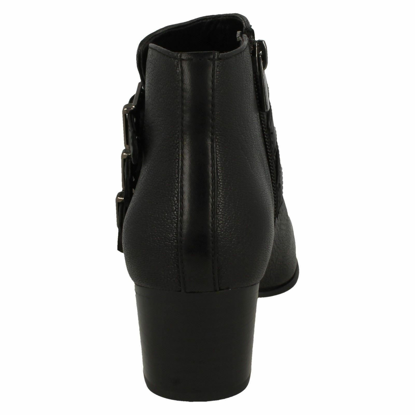 Damen Schwarzes Clarks Maypearl Rayna Schwarzes Damen Leder Elegant Mittelhoch Stiefeletten c01c00