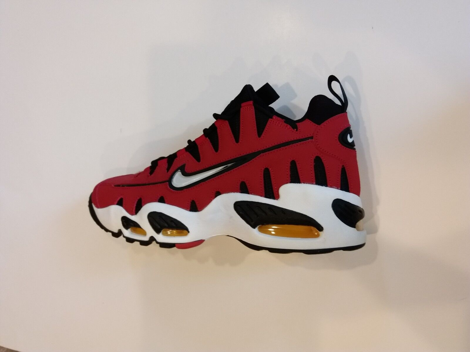 new arrival abf08 c1fe0 Rare Rare Rare Nike Air Max NM Varsity Red Black Cutout Teeth 429749-600  Mens