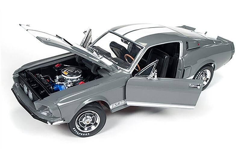 1967 Shelby GT 350 Hard Top para conmemorar el 50th año de modelos Shelby + Bonus