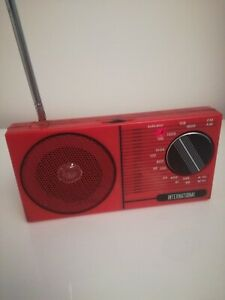 VINTAGE anni 80 - Radio Portatile INTERNATIONAL - Rosso