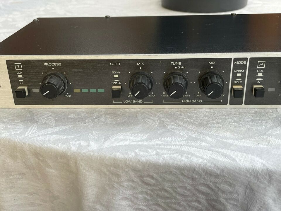 MULTIBAND SOUND ENHANSER, BEHRINGER EX 2200
