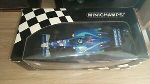 Minichamps-1-18-F1-Sauber-C21-2002-Felipe-Massa-firmado