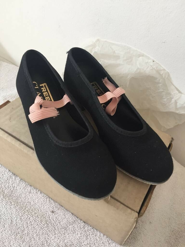 Freed of London Girls Dance Shoes size 10