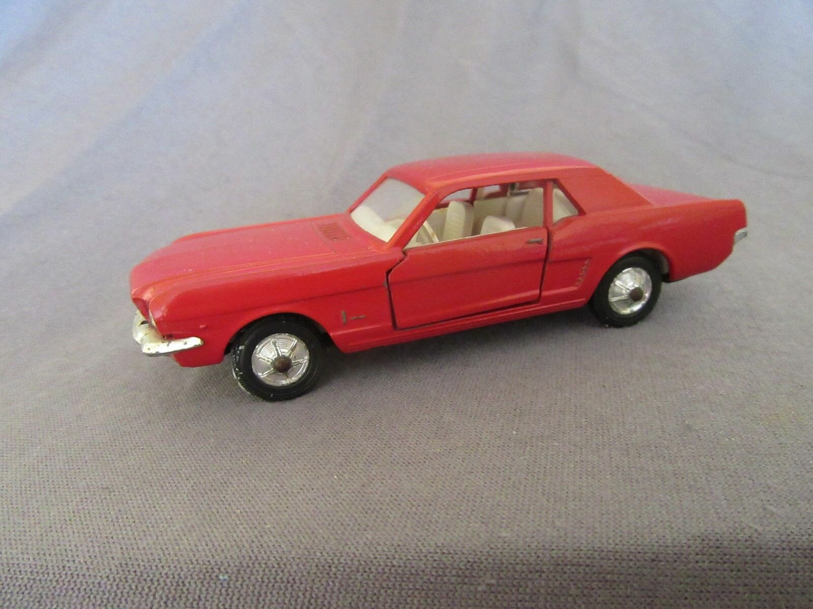 519F Vintage Solido Réf 147 Ford Mustang Rouge 1 43