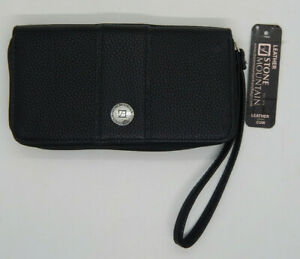 Stone Mountain Ladies Clutch Wallet with wrist strap. Black Pebbled Leather NEW