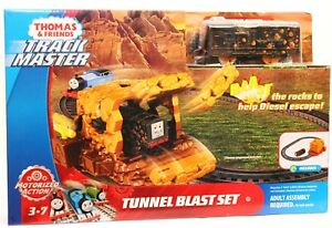 97fba02a534 Image is loading Thomas-and-Friends-Trackmaster-Tunnel-Blast-Set-Fisher-