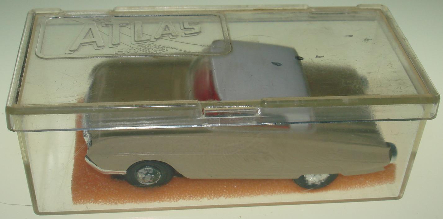 Atlas Ho ranura de coche Ford Thunderbird Hardtop bronceado cuerpo Cromado Parachoques 1277 Antiguo Hub