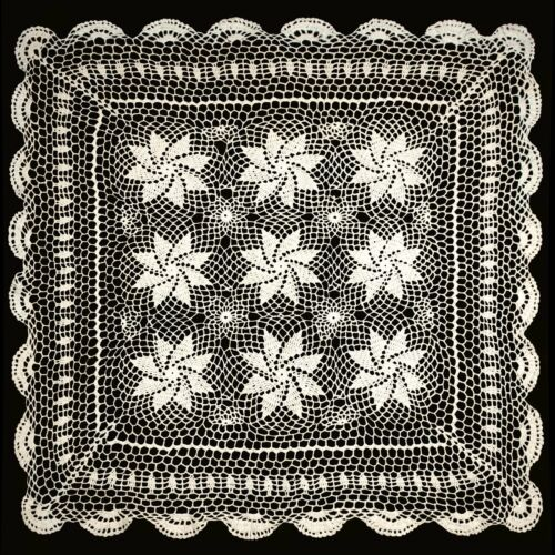 """Vintage Crochet Lace Doilies Placemat Table Runner 30/""""x30/"""" Ivory Hand Kintted"""