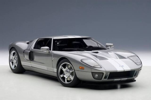 Ford Gt Gray With Silver Stripes   Scale Autoart Brand New In
