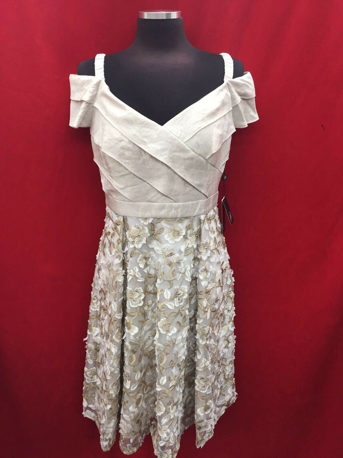 ADRIANNA PAPELL DRESS  NEW WITH TAG SIZE 4 RETAIL NORDSTORM DRESS CHAMPAGNE
