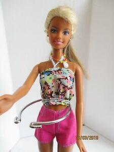 Barbie-original-doll-2-tone-blonde-hair-shorts-amp-top-free-dress-high-heel-shoes