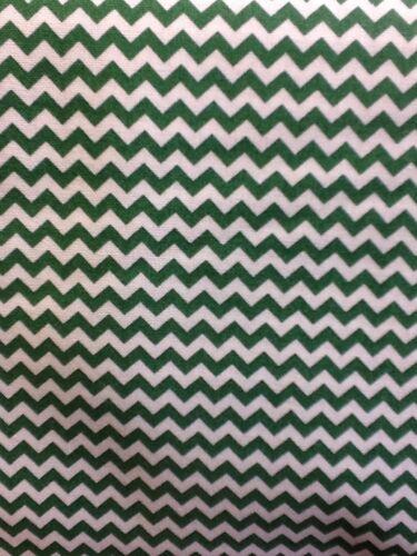 Tela libertad ff47 Chevron Zigzag en verde por el Medio Metro