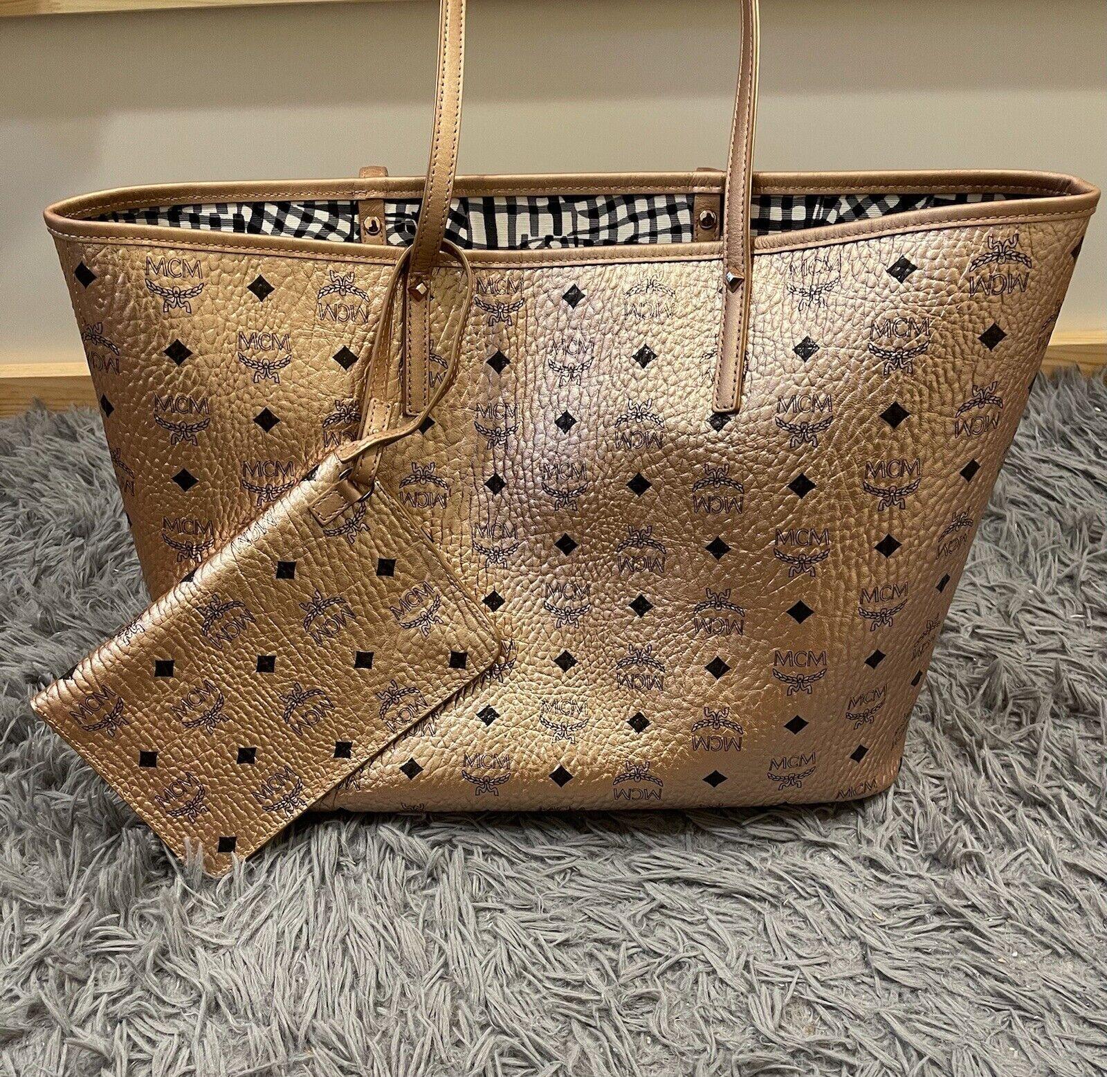 MCM Liz Reversible Shopper Handbag, Medium - Rose Gold