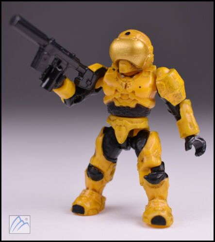 HALO MEGA BLOKS YELLOW GOLD UNSC SPARTAN SECURITY W// SUPPRESSED SMG MINI FIGURE