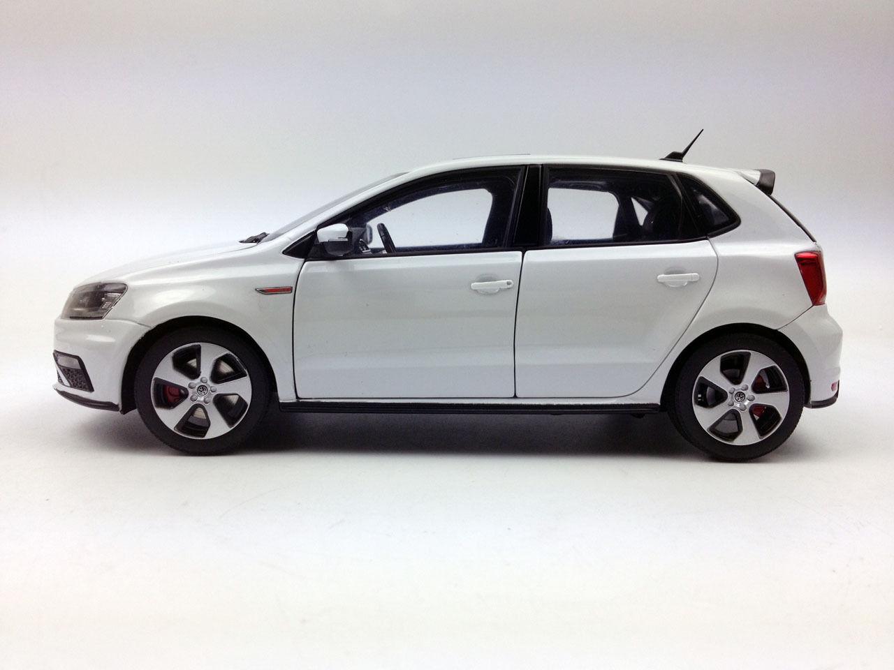 1 18 Shanghai Volkswagen New POLO GTI 2015 2015 2015 White Die-Cast Metal Model 3df7ce