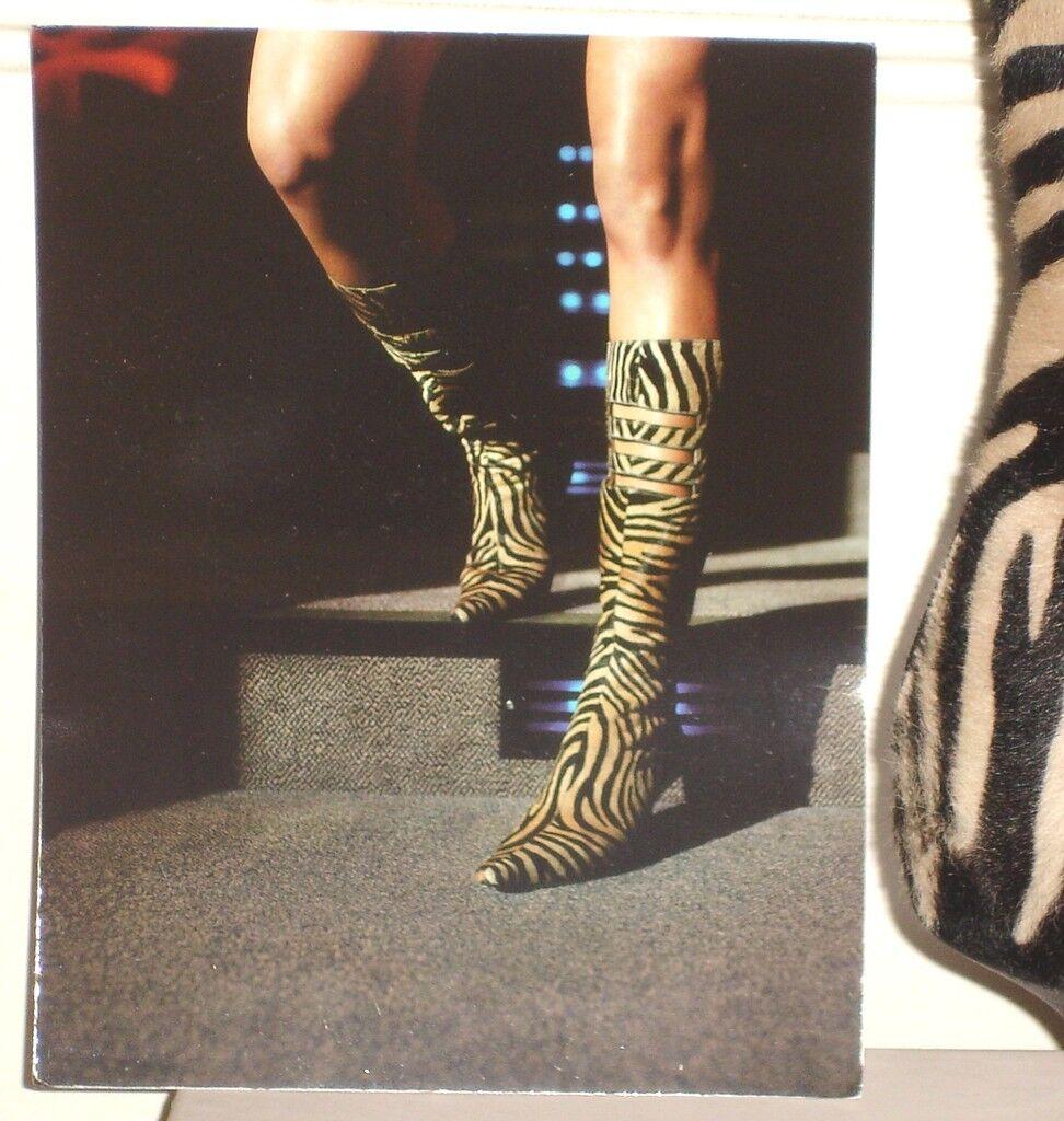 Nuevo En En En Caja Jimmy CHOO CARLY Zebra botas Talla 37.5 PONY Hr  1250  mejor opcion