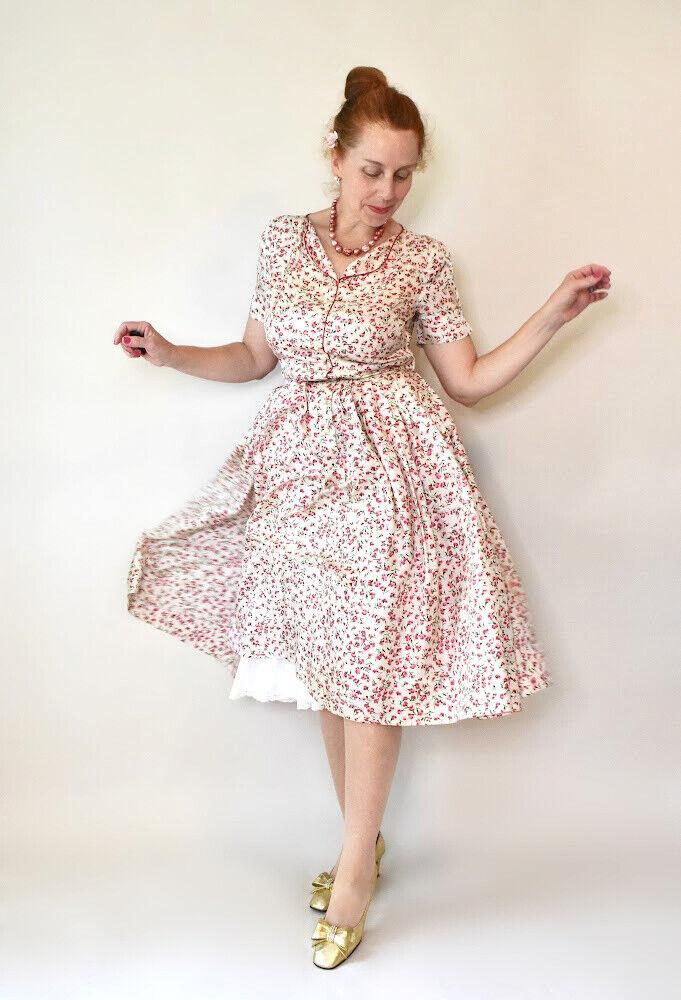 ~*Dreamy 1950s Silk Floral Print Day Dress by Vera Maxwell Sz M *~