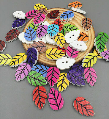 DIY 50 / 100PCs Leaves shape Wooden Buttons Sewing 2 Holes Scrapbook 20mm