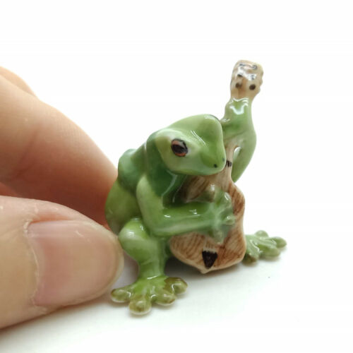 Green Frog Ceramic Figurine Animal Playing Guitar Musical Statue FG002-4