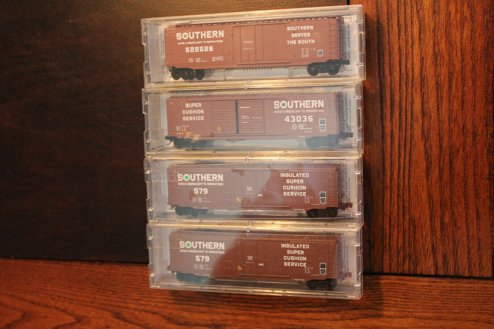 N SCALE LOT OF 4 (RARE) SOUTHERN 50' STANDARD BOX CAR, MICRO TRAINS