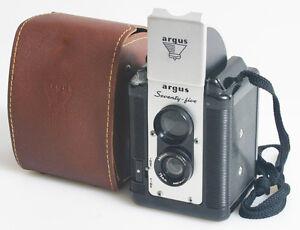 ARGUS 75 TWIN LENS REFLEX WITH CASE