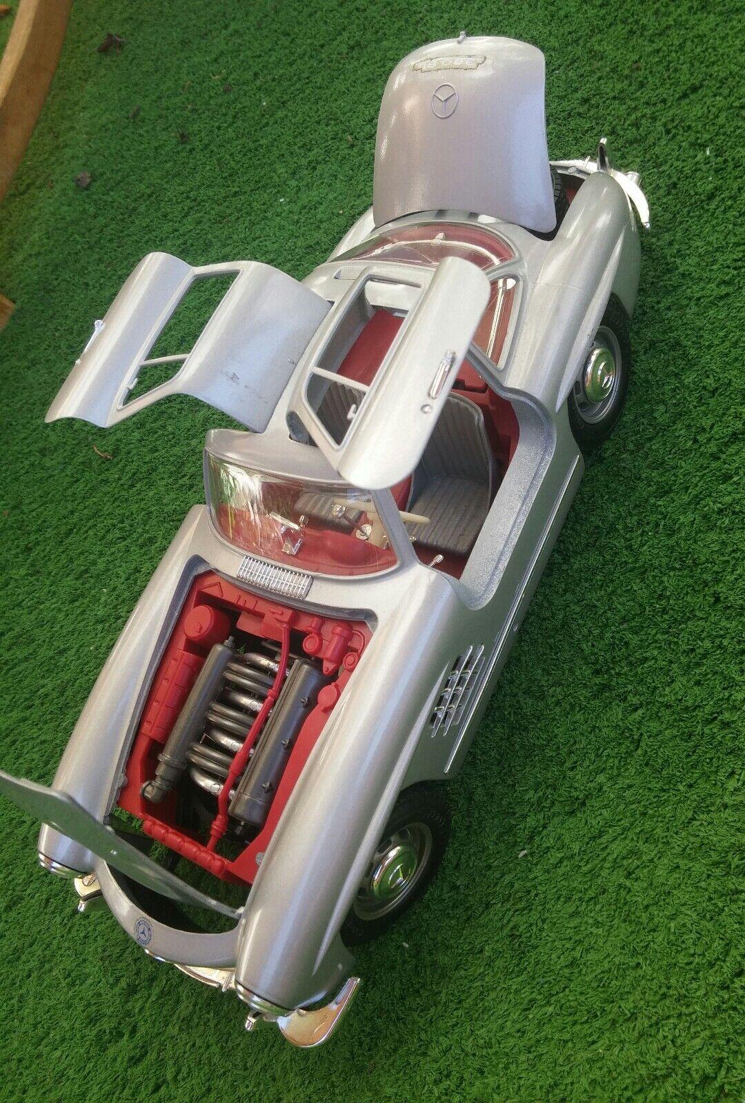 BURAGO - Mercedes 300SL ( 1954 ) 1 18 - W59-4999  | Viele Stile
