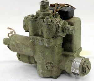 Dowty-hydro-electric-selector-valve-type-6652Y-for-RAF-aircraft-GA6