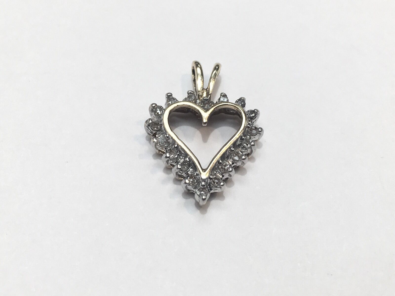 10k Solid Yellow gold .15 TCW Diamond Heart Pendant