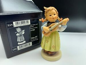 Hummel-Figurine-557-With-Sang-And-Ring-3-7-8in-1-Quality-With-Top-Condition