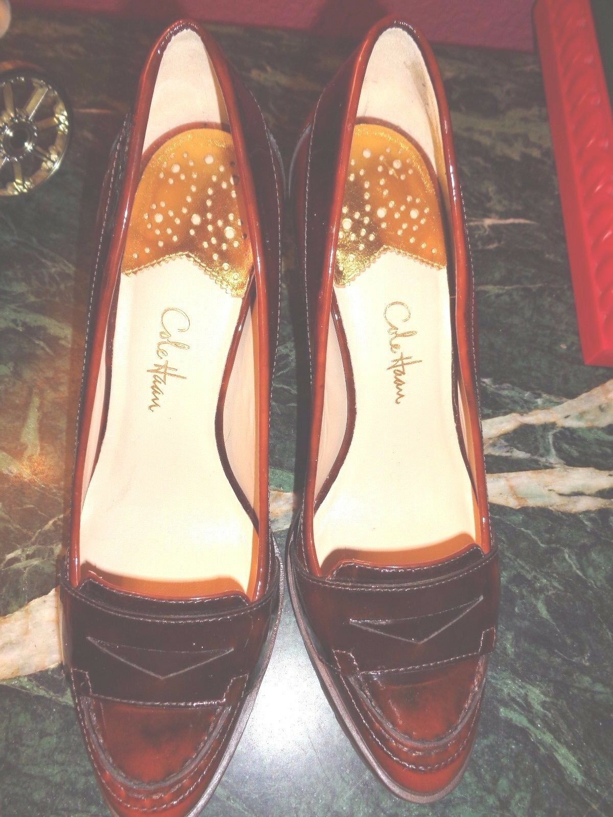 COLE HAAN  3 INCH HEEL IN SHADED BROWN SHINY PUMP 7.5B BRAZIL PRISTINE