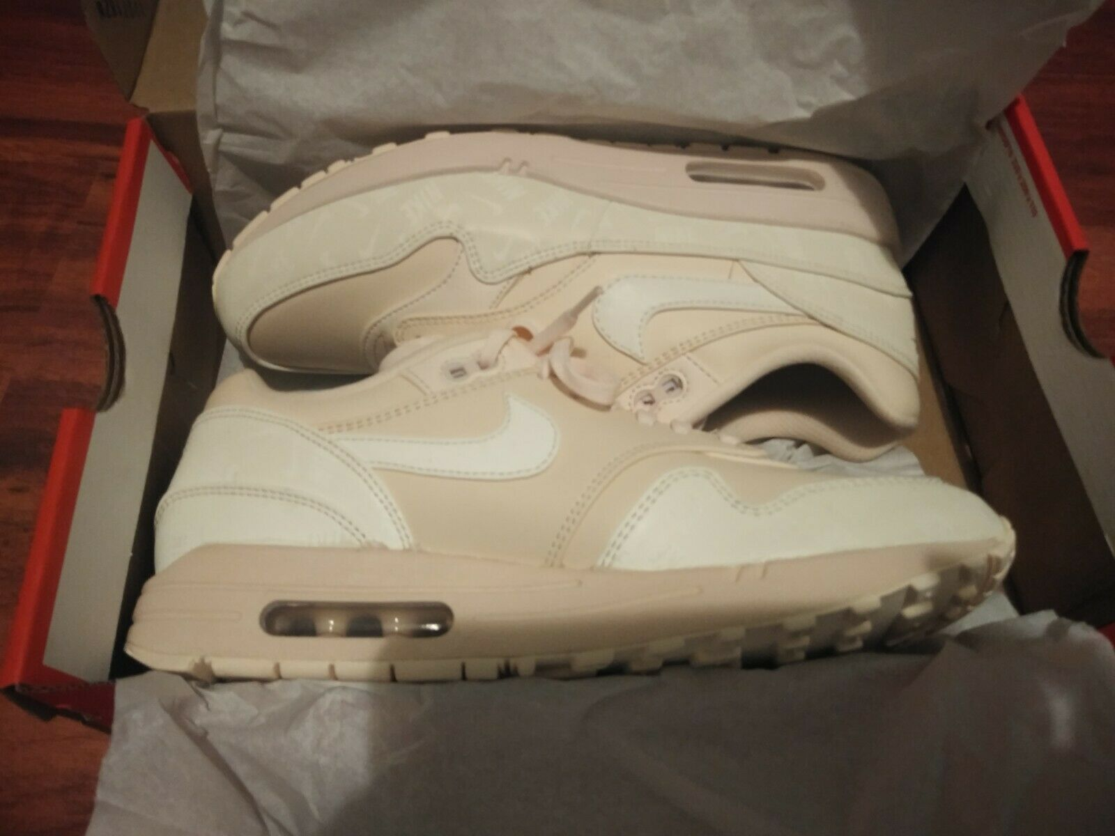 New Women's Air Max 1 LX Size 9.5