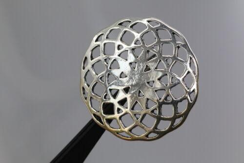 Silberfarbenes adorno-duo-ornament-Optik probablemente a partir de 2010
