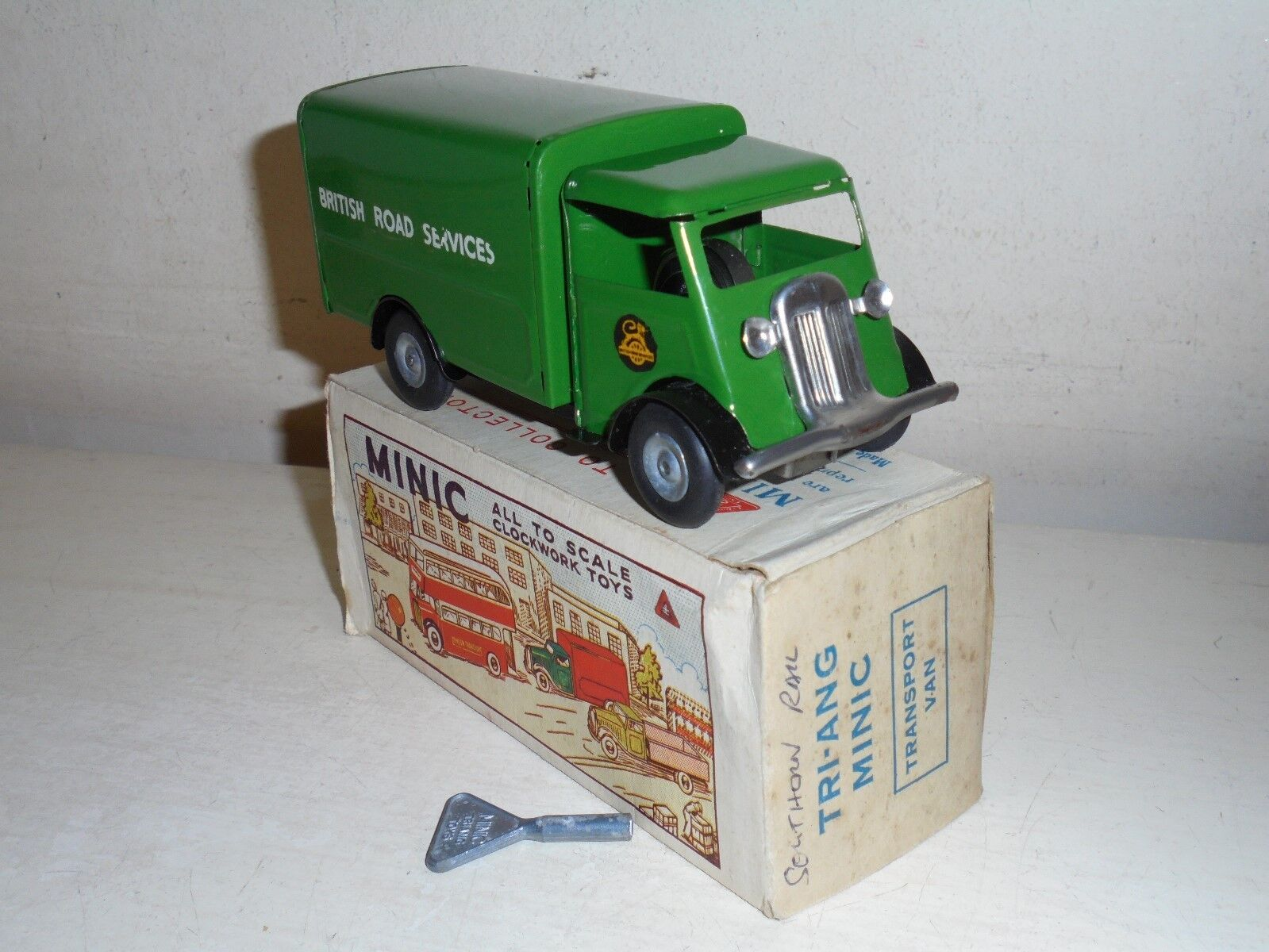 TRI-ANG MINIC Tinplate-124M British Road Services Van(green)c w-superb bxd-c1956