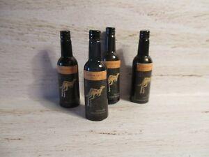 Maison De Poupées Miniature Bouteille De Jaune Queue Vin Merlot-afficher Le Titre D'origine Limpide à Vue