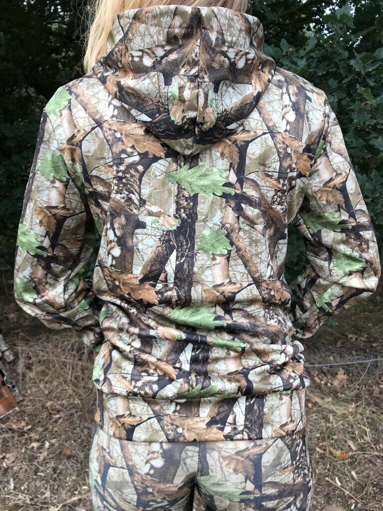 Ladies Hunting Soft Shell Jumper Realtree Style Pattern Brand New Medium Size 10
